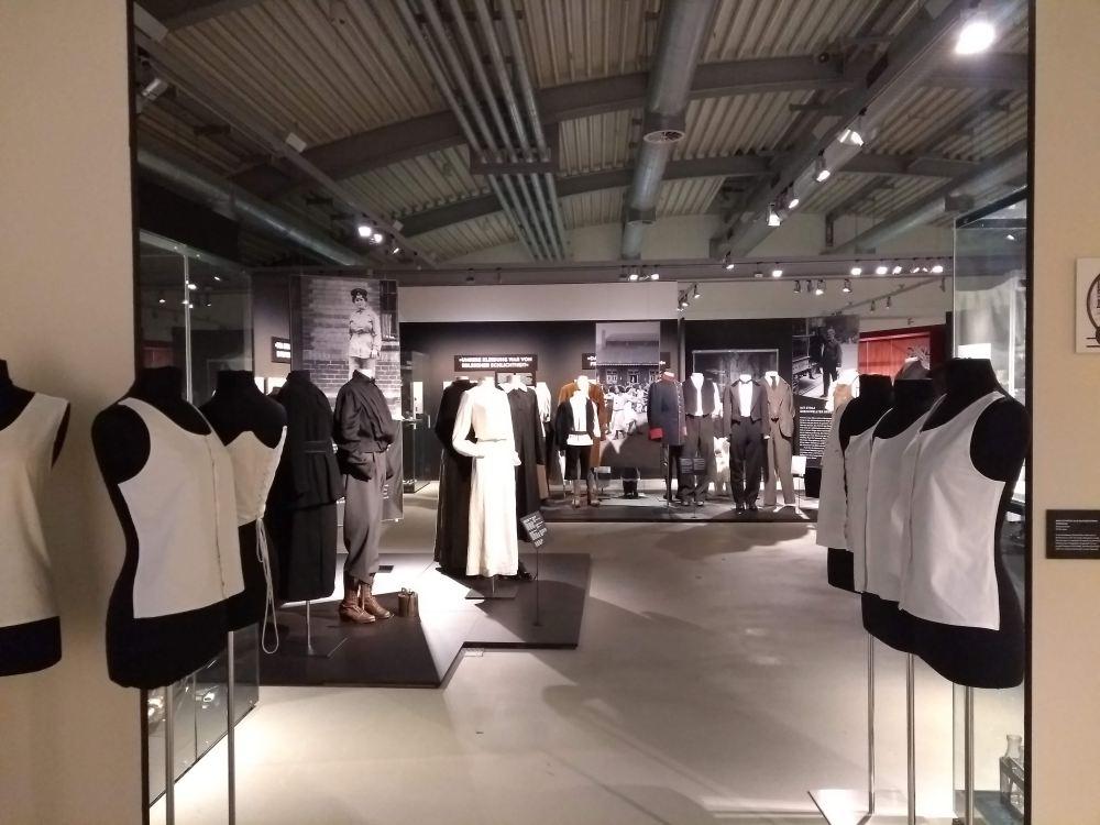 Die Ausstellung zeigte sehr viele Objekte.